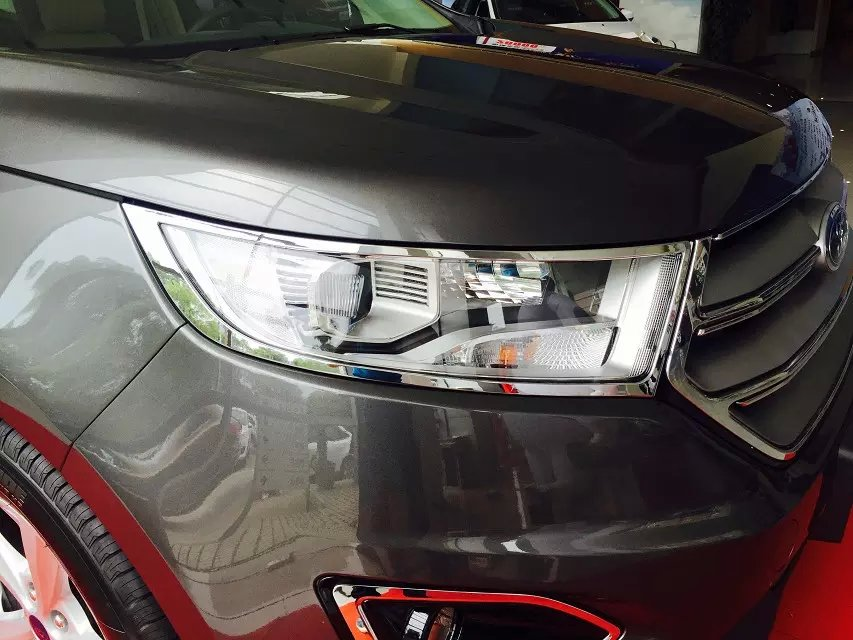 Chrome Look Of Ford Edge  By Adding Other Chrome Accessories Including Chrome Door Handle Covers Chrome Mirror Covers And An Aftermarket Grille